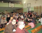 A közönség nagy figyelemmel kíséri a produkciókat