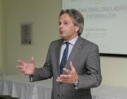 Varga Tamás Székesfehérvár Országgyűlési képviselője, a Külügyi Bizottság tagja