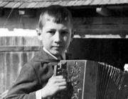 Barátság folyóirat különdíjas - Laub János: Nagyapám az első harmonikájával 1936-ban