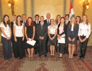 A csoportképen a friss ösztöndíjasok Balog Zoltán miniszterrel, Dr. Latorcai Csaba h. államtitkárral és Paulik Antal. h. főosztályvezetővel