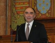 Christof Bergner szövetségi belügyminisztériumi államtitkár a pódiumon
